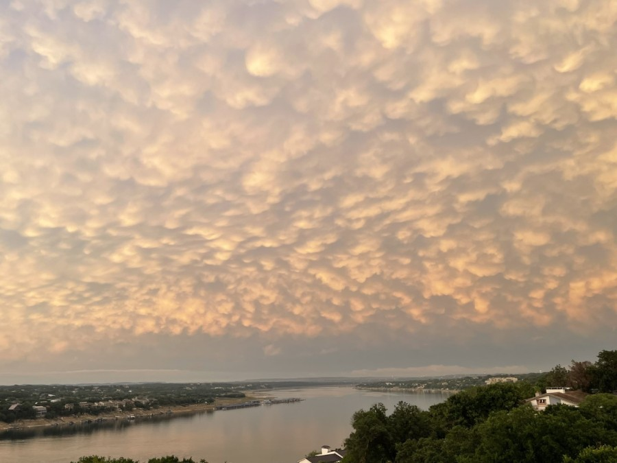 Mammatus clouds over Lake Travis (Courtesy of Preston Gregg)