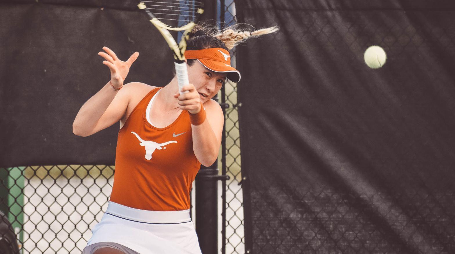 Lulu Sun (Photo: Texas athletics/@TexasWTN)