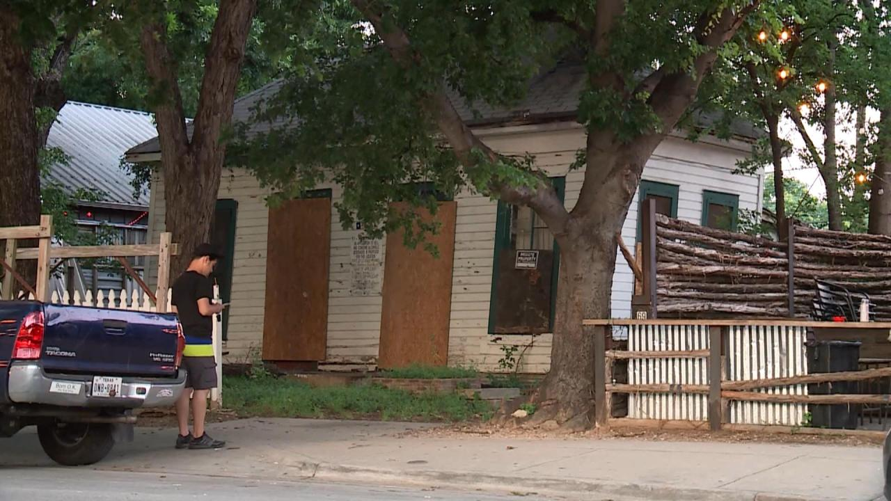 Final house on Rainey Street cleared for demolition