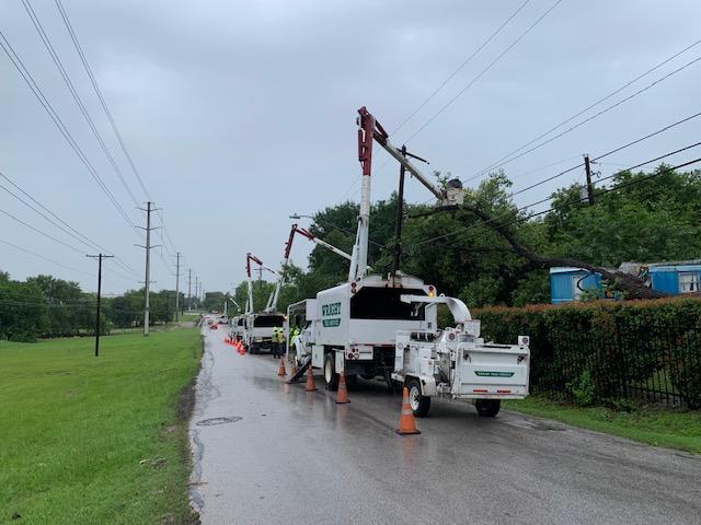 Austin Energy crews repairs power lines Thursday, June 3 in southeast Austin (Austin Energy Photo)