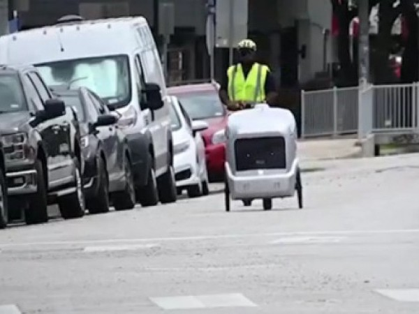 Starting Monday, robots are making deliveries along South Congress and downtown under the supervision of the Austin Transportation Department. (Screenshot from video courtesy Austin Transportation Department)
