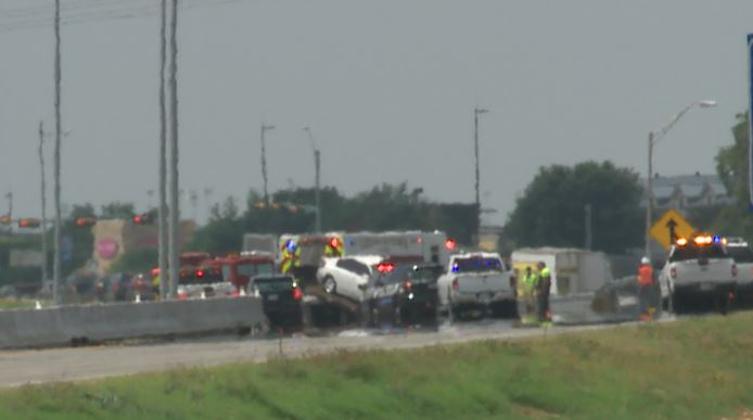 A deadly crash closed southbound lanes of I-35 in Georgetown on Wednesday morning. (KXAN photo/Ed Zavala)