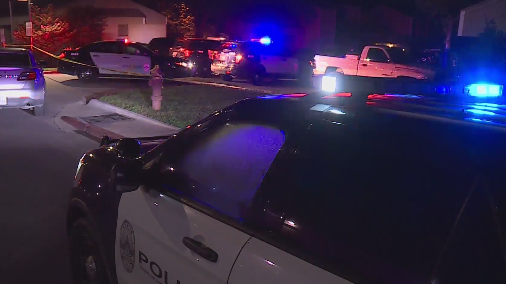 Austin Police investigate after a man is shot and killed in north Austin. (KXAN: Richard Bowes)