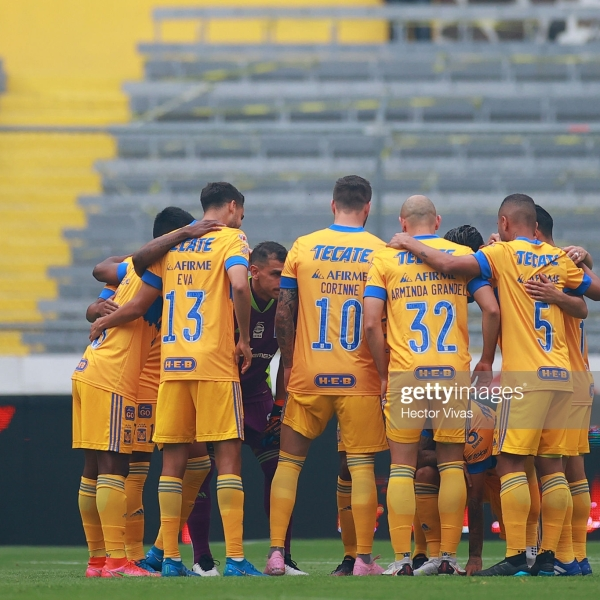 GUADALAJARA, MEXICO - MAY 08: Players of Tigres huddle prior the playoff match between Atlas and Tigres UANL as part of the Torneo Guard1anes 2021 Liga MX at Jalisco Stadium on May 08, 2021 in Guadalajara, Mexico. (Photo by Hector Vivas/Getty Images)