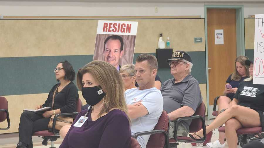 Leader ISD board meeting mask requirement