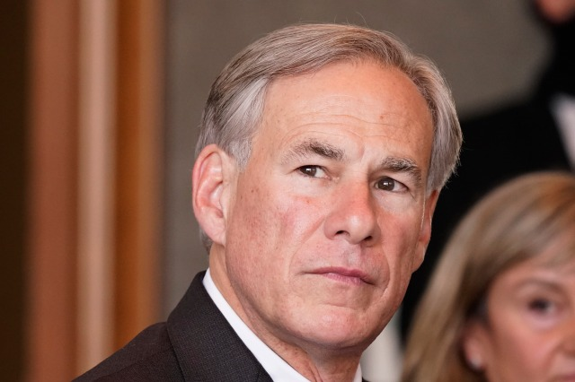 Poll: Gov. Abbott receives lowest-ever approval rating, half of Texans disapprove of his work