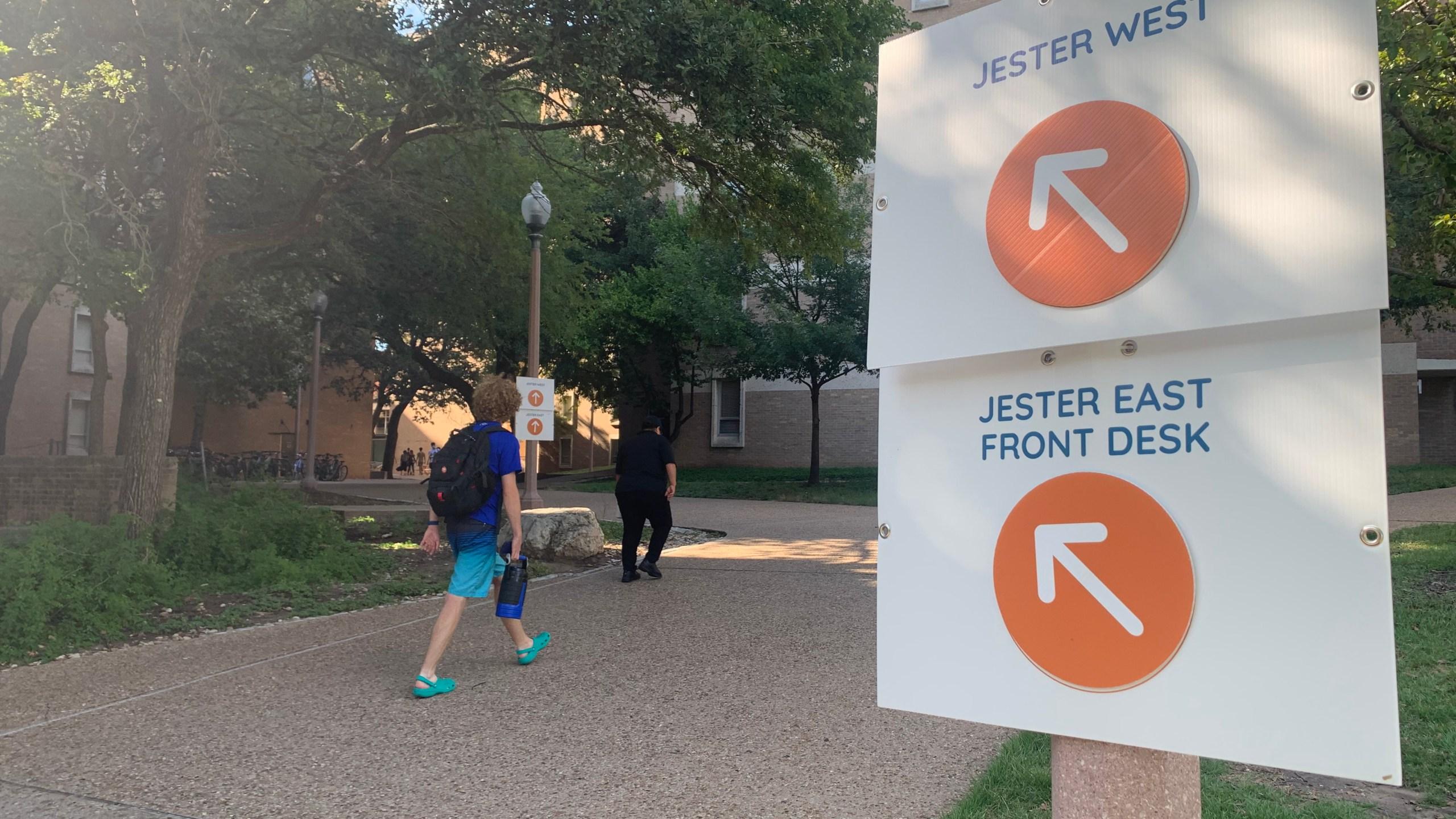 Classes begin Wednesday on the UT Austin campus (KXAN Photo/Avery Travis)
