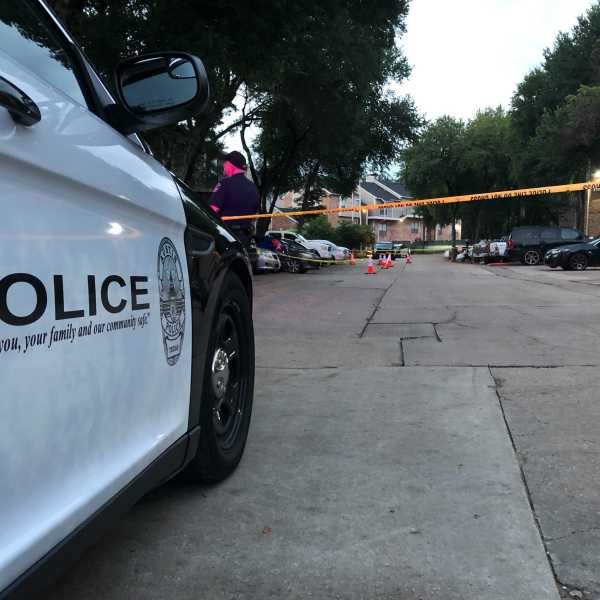 A man was shot multiple times in the parking lot of the Coppertree Apartments on Cromwell Drive in southeast Austin early Tuesday morning. (KXAN photo/Julie Karam)