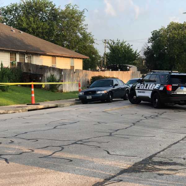 Round Rock police are looking for an armed suspect around Christopher Avenue on Wednesday. (KXAN photo/Julie Karam)