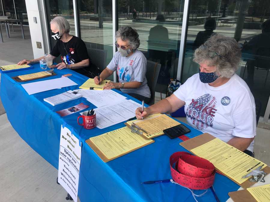 MOVE Texas helps register voters for National Voter Registration Day on Sept. 28, 2021 (KXAN Photo/Frank Martinez)