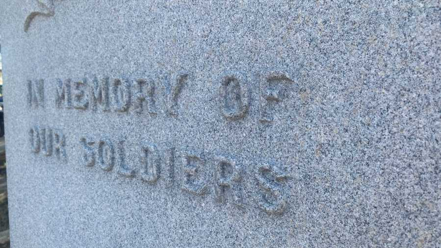 The debate over a Confederate monument Lockhart, Texas, continues Monday as a Caldwell County group discuss its ongoing fight to remove a granite obelisk dedicated to soldiers of the Civil War in 1923 (KXAN/Todd Bynum)