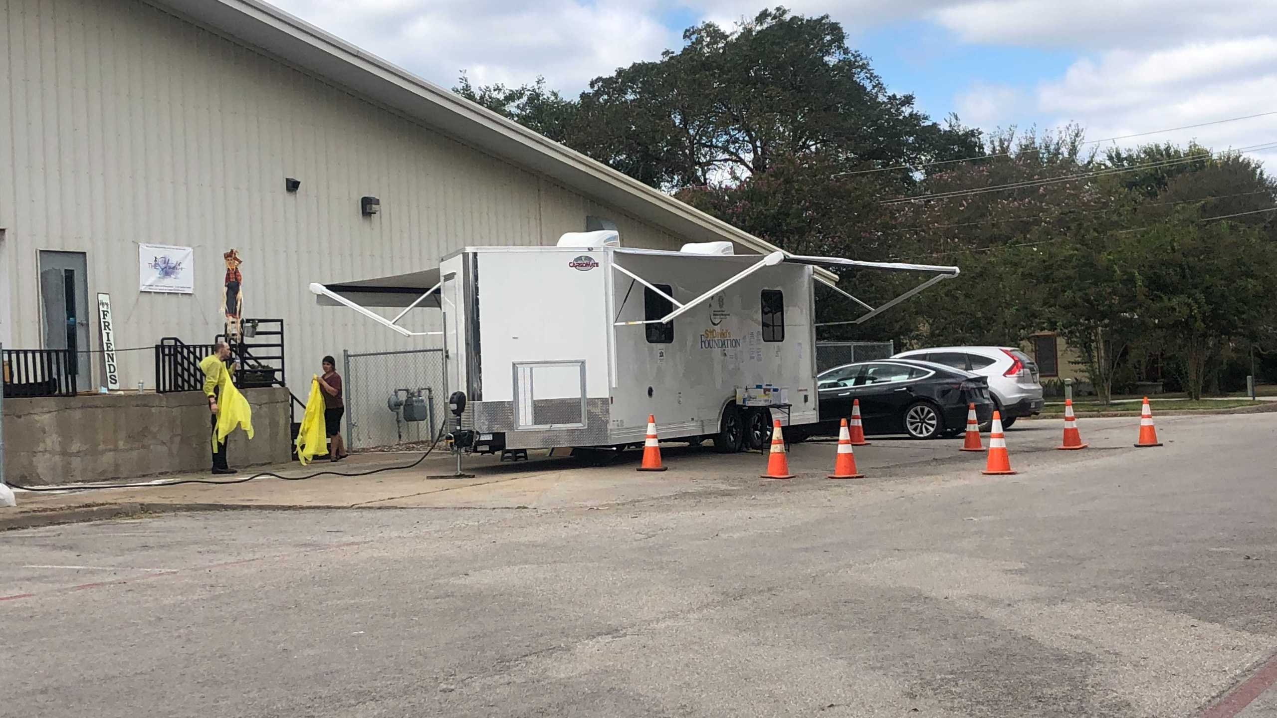 Bastrop County's first free mobile COVID-19 testing clinic is up and running at Smithville Recreation Center. (KXAN Photo/Frank Martinez)