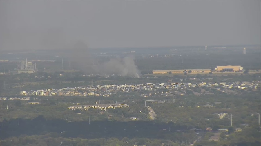 Smoke rising from fire off Wentworth Drive in east Austin Sept. 30, 2021 (KXAN Photo)