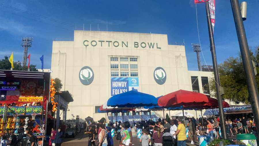 Cotton Bowl before Texas-OU 2021